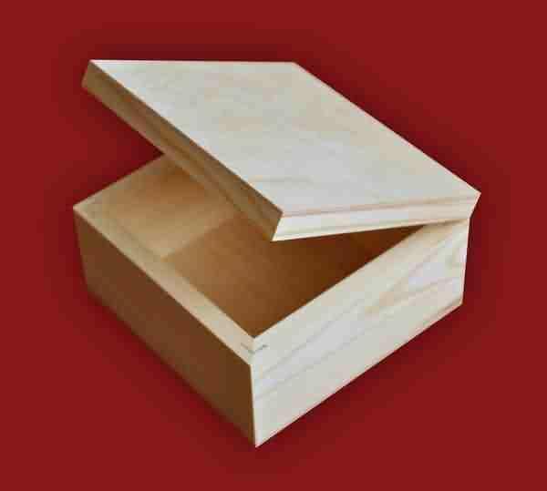 Деревянная шкатулка из фанеры